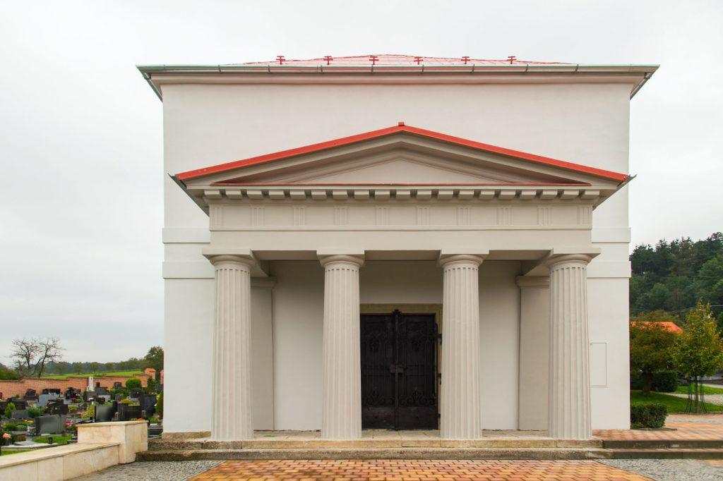 Hřbitovní kaple vNapajedlích