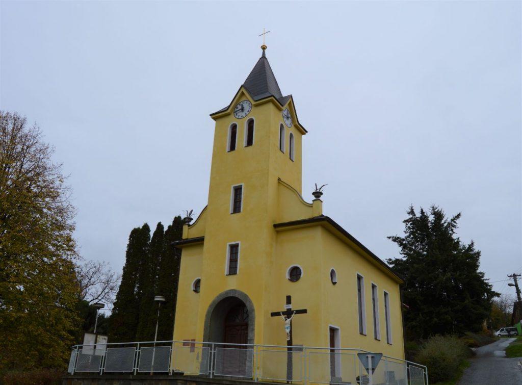 Kostel sv. Antonína Komárov